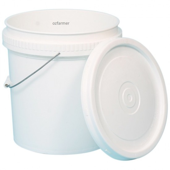 20L Heavy Duty Plastic Bucket complete with lid