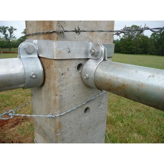 Concrete Post / Strainer Bracket Set Round