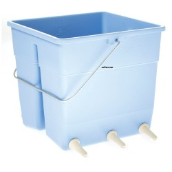 Lamb Feeding Bucket with Excal teats